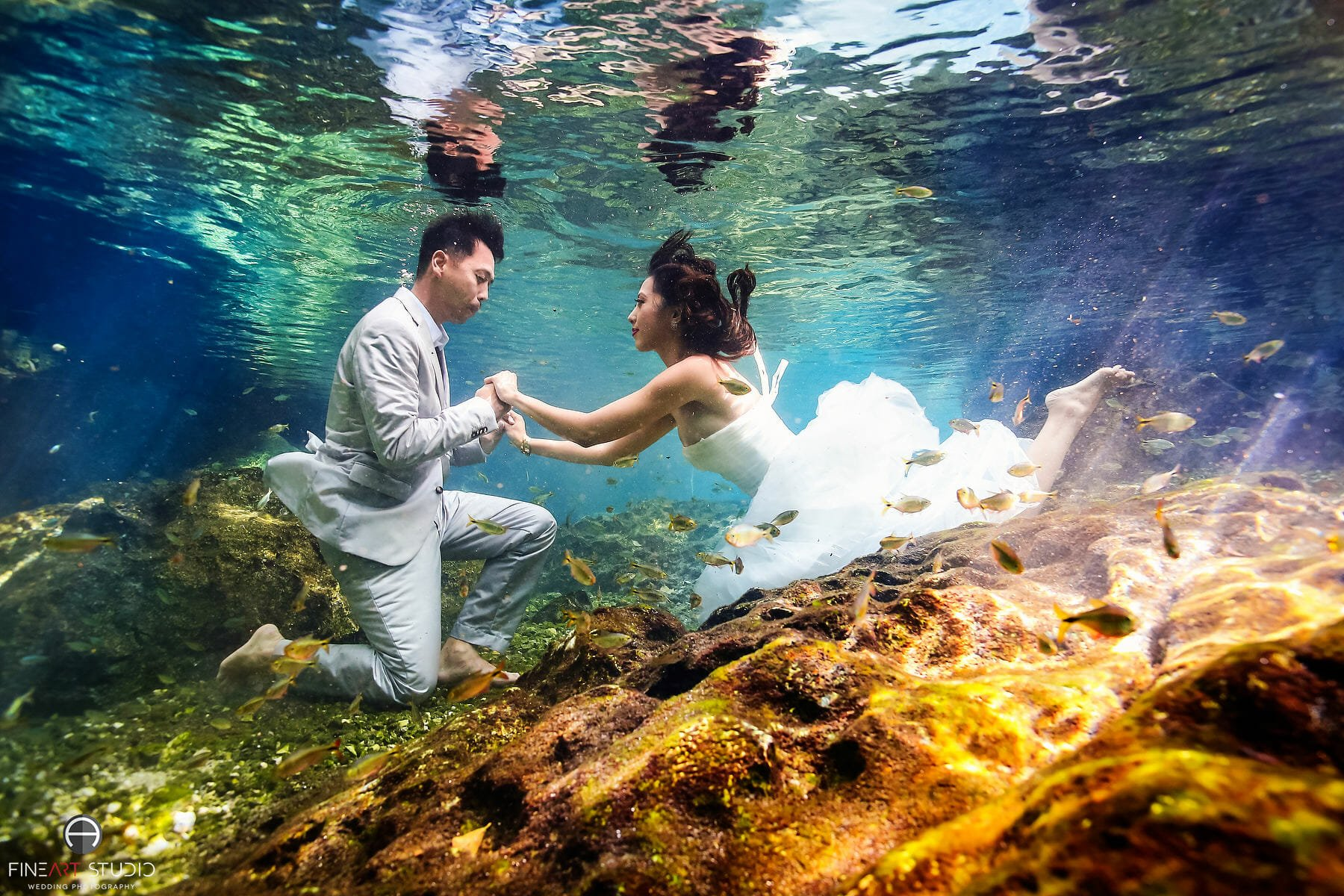 Underwater Trash the Dress Photography Cancun Mexico - FineArt Studio